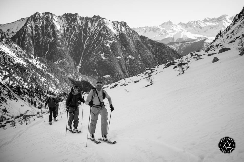 Skieurs de randonnée dans le Val d'Arpette