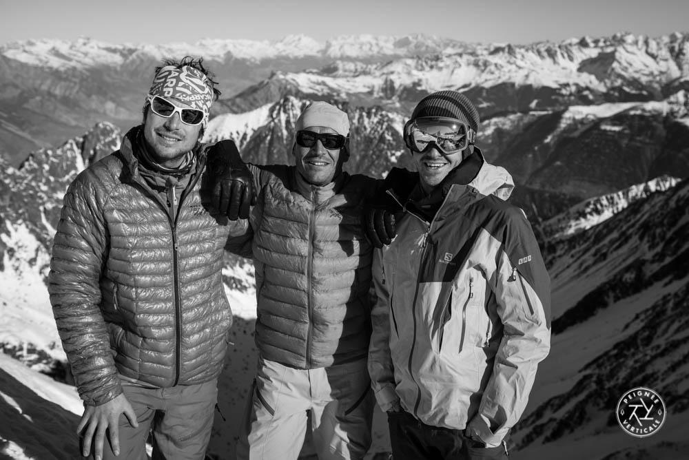 Vivian Bruchez, Laurent Dupré et Roch Malnuit au sommet d'un couloir en Suisse