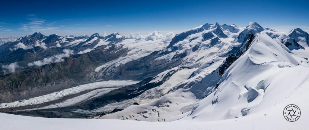 La vue sur le Mont Rose depuis le sommet du Breithorn