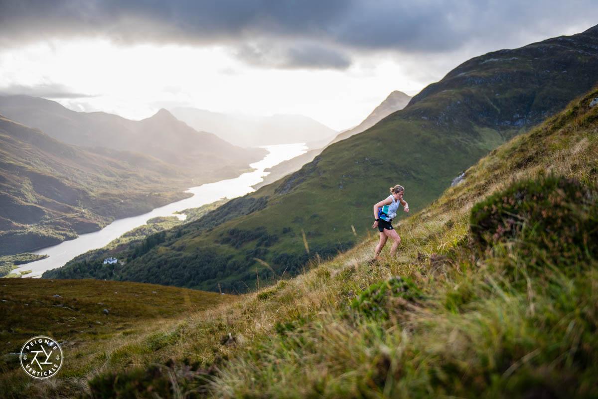 La lumière magique des Highlands écossais   Peignée Verticale