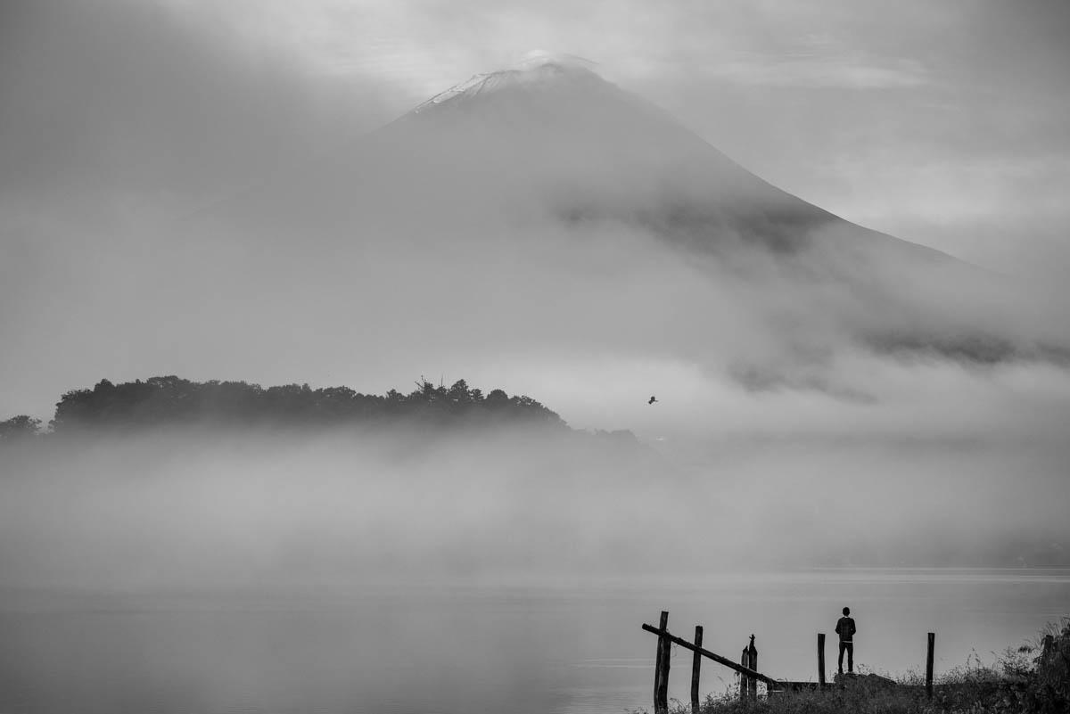 Pêcheur devant le Mont Fuji