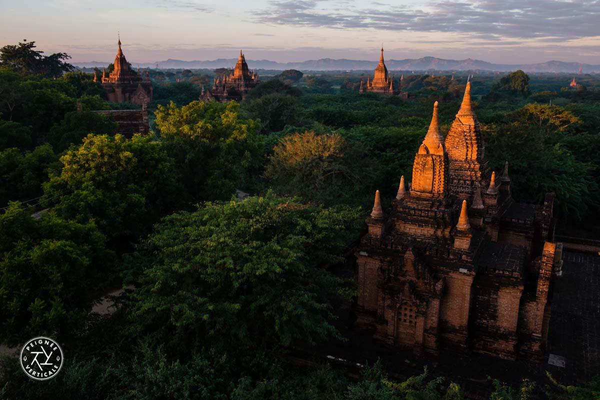 Lever de soleil à Bagan - Birmanie