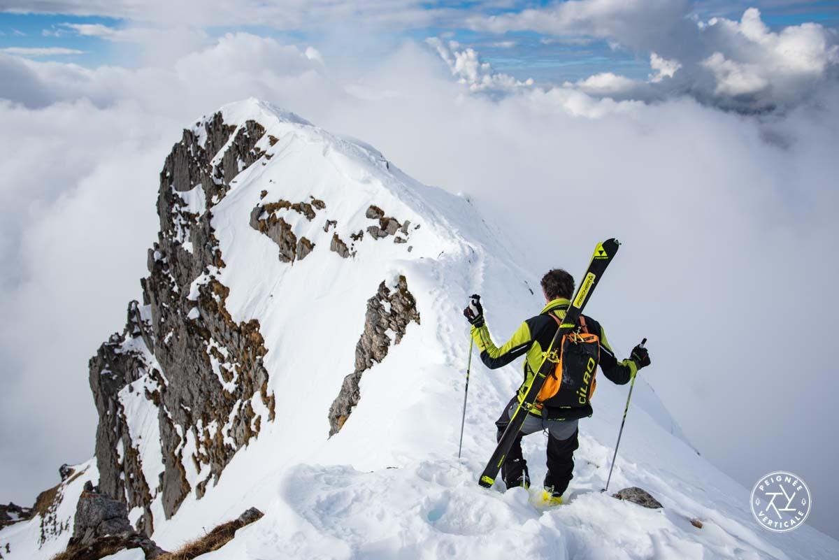 Traversée d'arête en ski-alpinisme