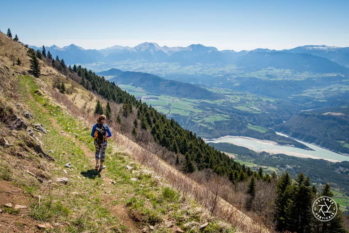 Alpage du Sénépi et vue sur le lac du Monteynard