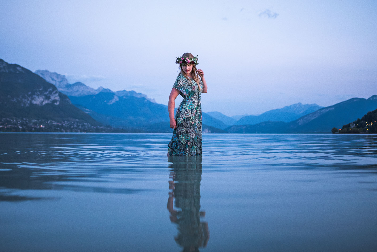 Portait femme lors de la marée basse du Lac d'Annecy