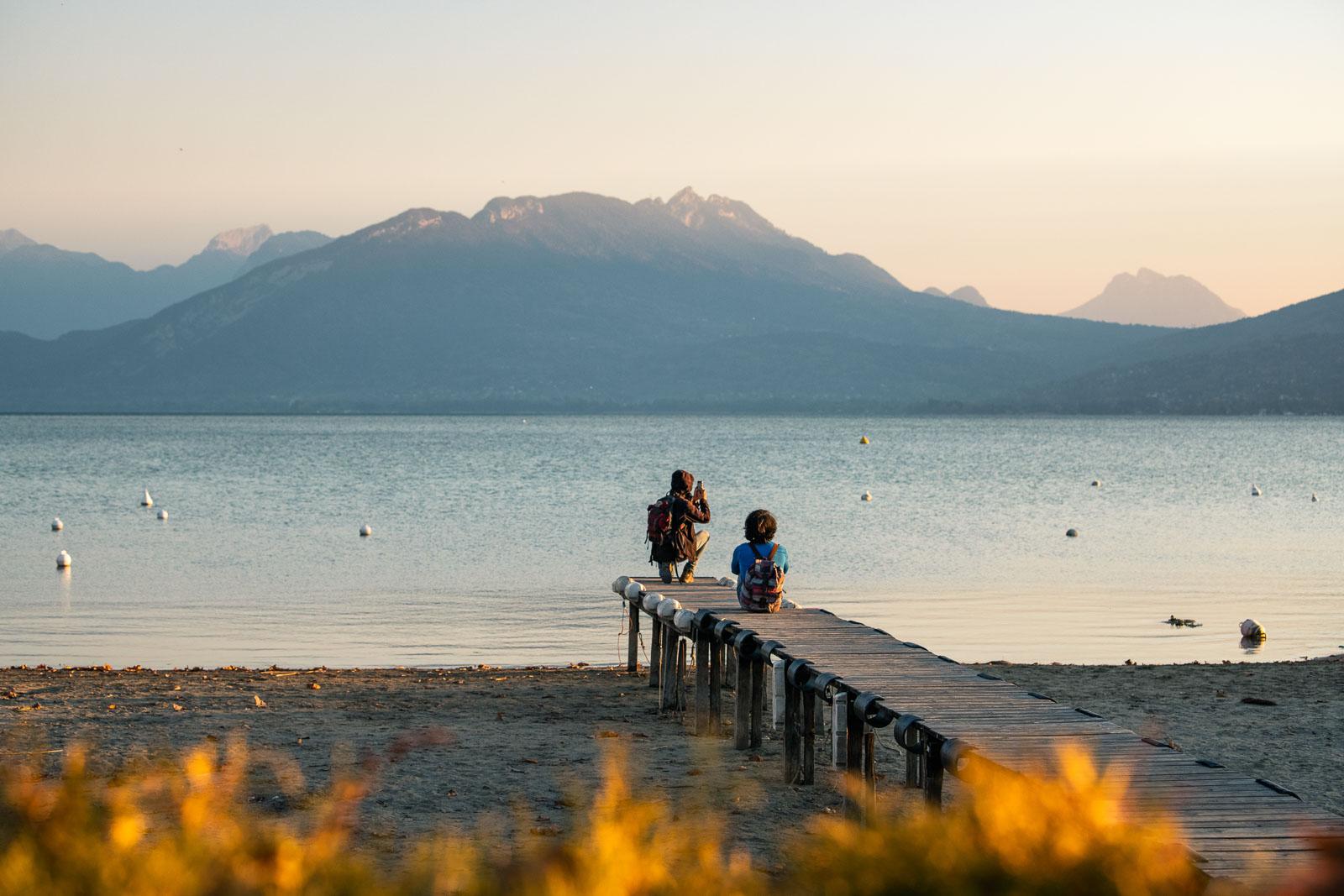 Coucher de soleil sur le Lac asséché d'Annecy