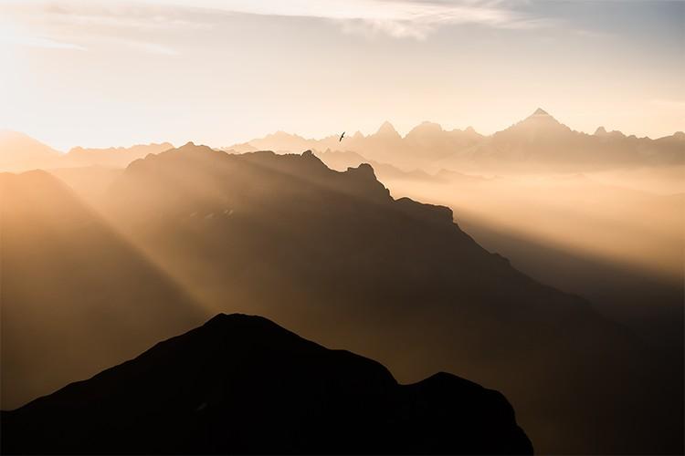 Vue depuis le massif des Aravis sur le Mont-Blanc, France. Format paysage.