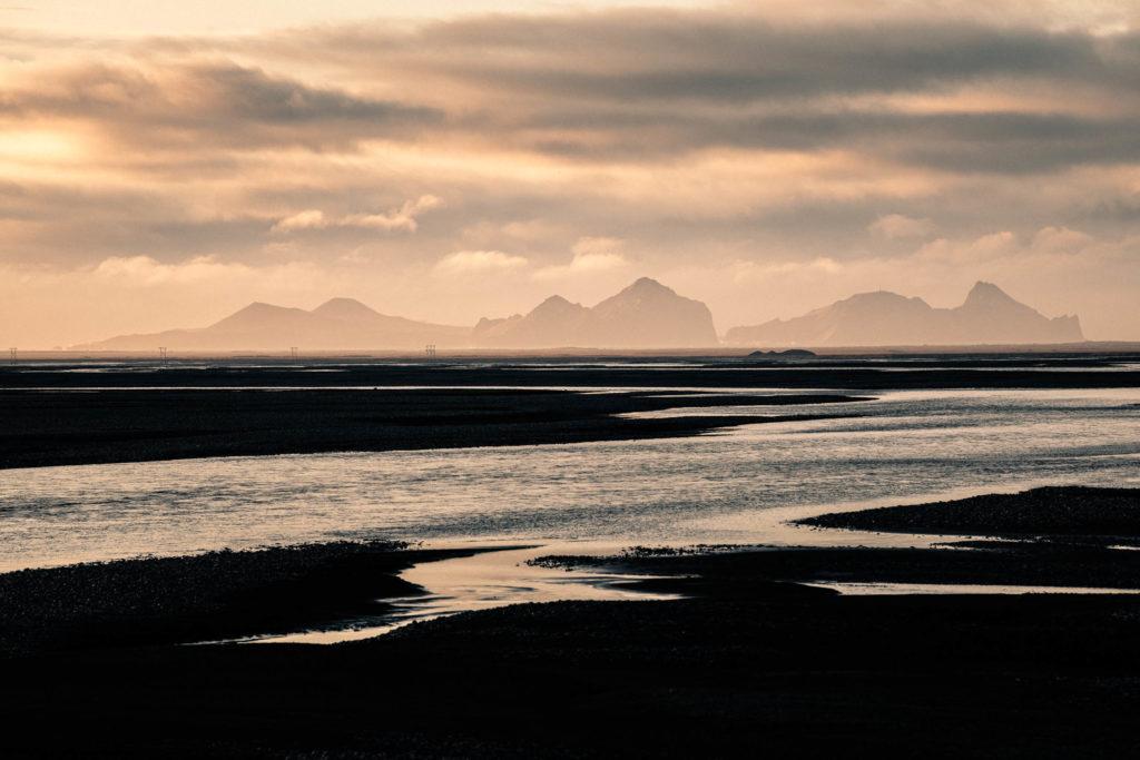 Paysage sauvage le long de la route n°1, Islande. Format paysage.